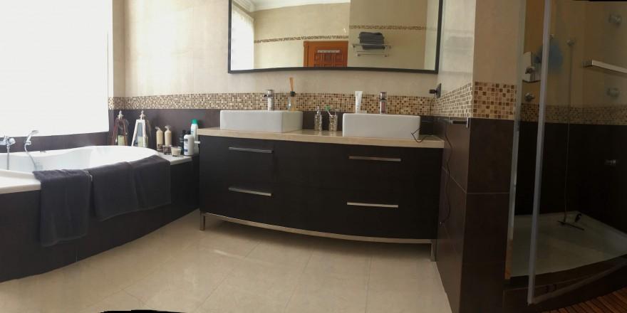 Bedroom N1 Bathroom (02)