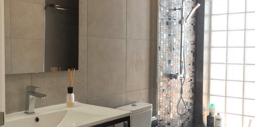 Bedroom N6 Bathroom